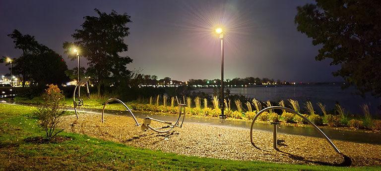 Parc public - Lampadaire solaire fabriqué au Québec
