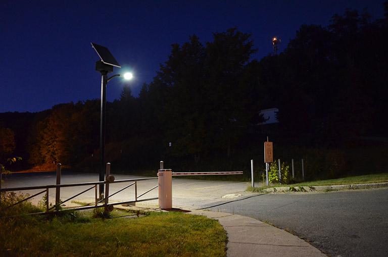 Barrière Éclairage Solaire Stationnement